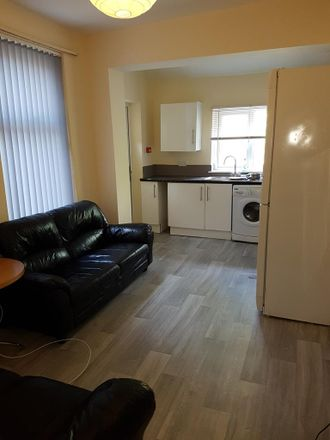 Rent this 5 bed house on Granville Road in Manchester M14 6AD, United Kingdom