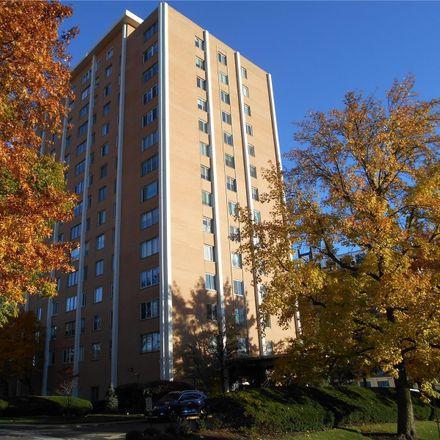 Rent this 2 bed condo on Hanley Towers Condominiums in 900 South Hanley Road, Clayton