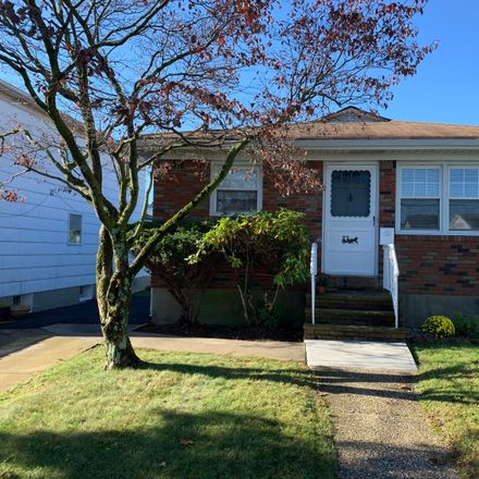 Rent this 3 bed house on 440 Delaware Avenue in New York, NY 10305