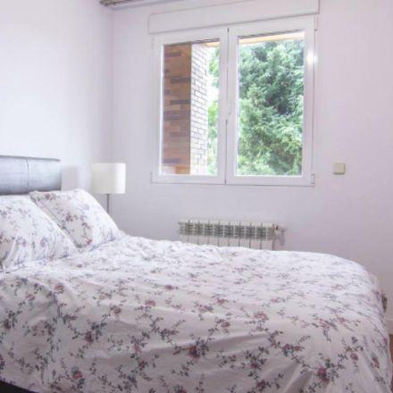 Rent this 2 bed apartment on Calle Manuel de Falla in 28224 Pozuelo de Alarcón, Spain