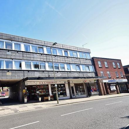 Rent this 2 bed apartment on D&G Hardware in Saint George's Street, Winchester SO23 8BG