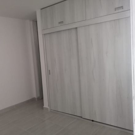 Rent this 3 bed apartment on Carrera 32 in Floridablanca, SAN
