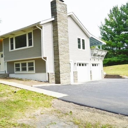 Rent this 3 bed house on Twin Drive in Livingston, NY 12534
