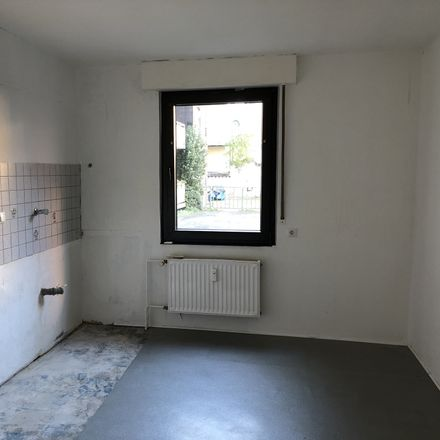 Rent this 3 bed apartment on Weserstraße 39 in 47137 Duisburg, Germany