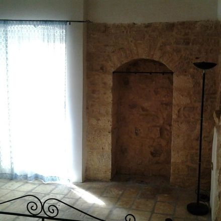 Rent this 4 bed room on Arco delle Ombre in 70010 Casamassima BA, Italia