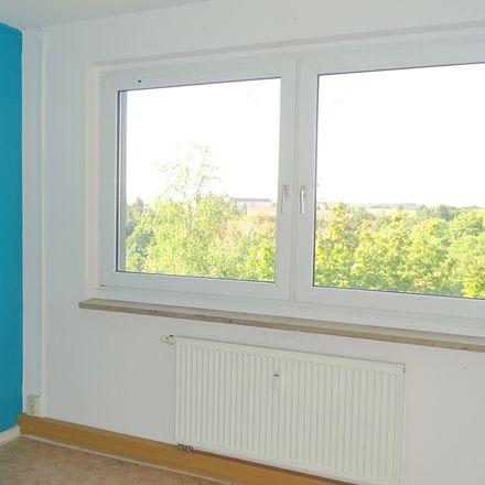 Rent this 4 bed apartment on Westbergstraße 50 in 08451 Crimmitschau, Germany