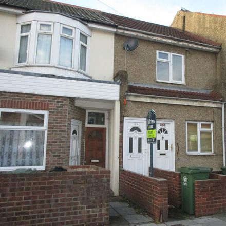 Rent this 1 bed apartment on Tesco Express in 106A Eastney Road, Portsmouth PO4 9HZ