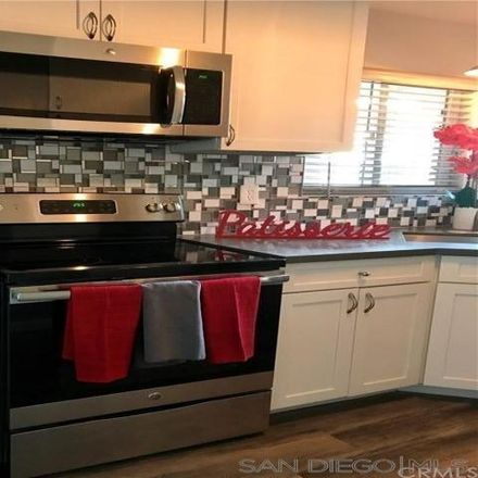 Rent this 1 bed condo on 475 North Oro Court in Long Beach, CA 90802
