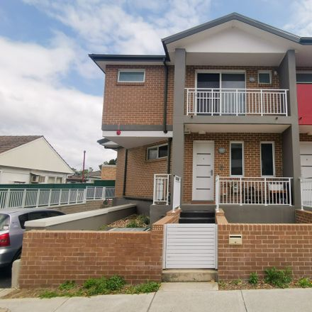 Rent this 3 bed townhouse on 1/2 Clarke St