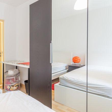 Rent this 7 bed room on Solar d'Alegria in Rua da Alegria, 4000-048 Bonfim
