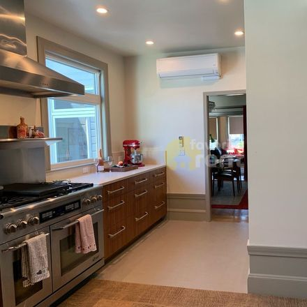 Rent this 2 bed apartment on 3524;3526 18th Street in San Francisco, CA 94114