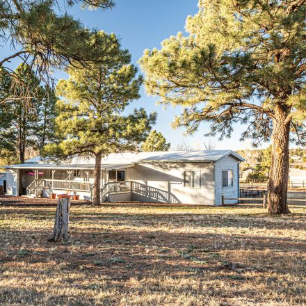 Rent this 3 bed house on 7032 Juniper Way in Show Low, AZ