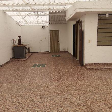 Rent this 7 bed apartment on Droguería Gómez R. in Carrera 75 59-20 Sur, Localidad Ciudad Bolivar