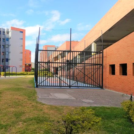 Rent this 3 bed apartment on Colsubsidio Maiporé in Carrera 3 15-40 sur, Compartir