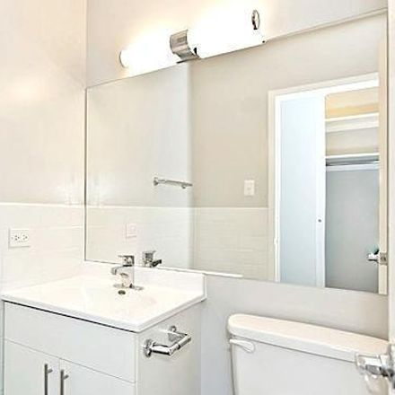 Rent this 2 bed apartment on North Sheridan Road in Chicago, IL 60660