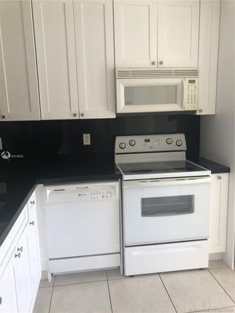 Rent this 2 bed condo on 1250 SE 26th Street in Homestead, FL 33035