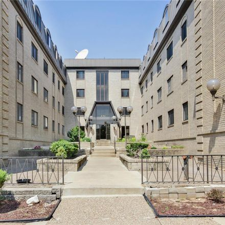 Rent this 2 bed condo on Maryland House Condominium in 4355 Maryland Avenue, St. Louis