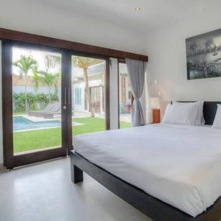Rent this 4 bed apartment on Middle Ring Road 2 in Taman Keramat AU2, 54200 Ampang Jaya Municipal Council