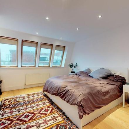 Rent this 1 bed apartment on Holloway Mosque in 152 Holloway Road, London N7 8DD