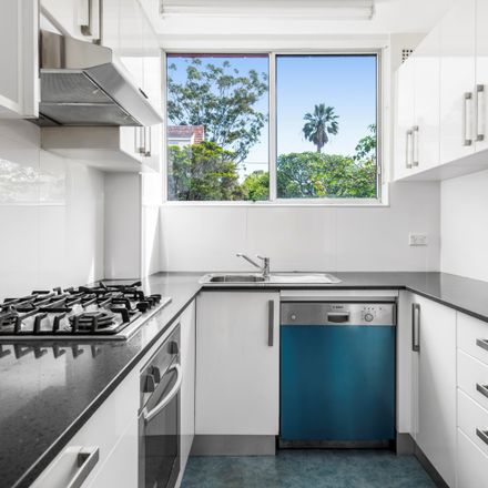 Rent this 2 bed apartment on 30/7 Bortfield Drive