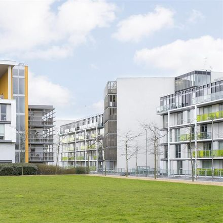 Rent this 2 bed apartment on Fyfe House in Chadwell Lane, London N8 7RF