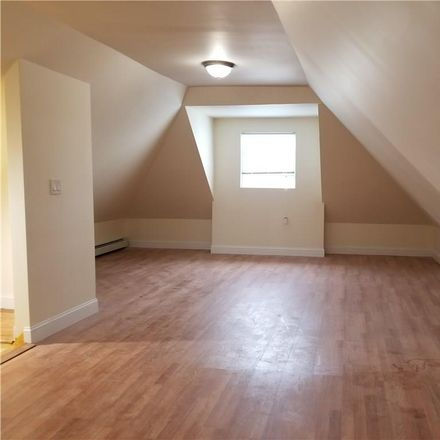 Rent this 4 bed house on 1050 East 232nd Street in New York, NY 10466