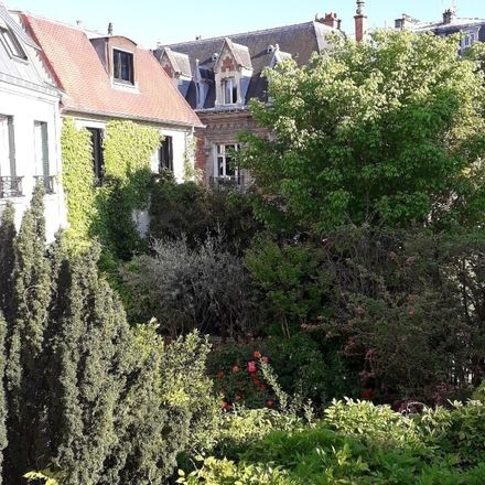 Rent this 3 bed house on 69 bis Rue Hallé in 75014 Paris, France