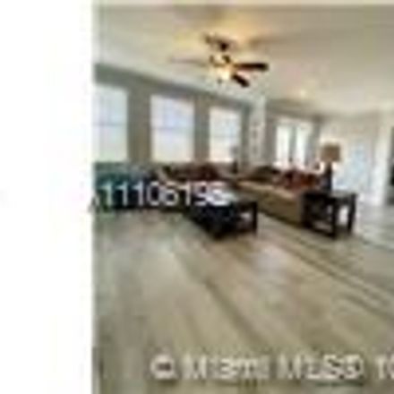 Rent this 3 bed condo on Lucerne Ave in Lake Worth, FL