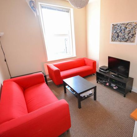 Rent this 4 bed house on Newcastle upon Tyne NE2 1XX
