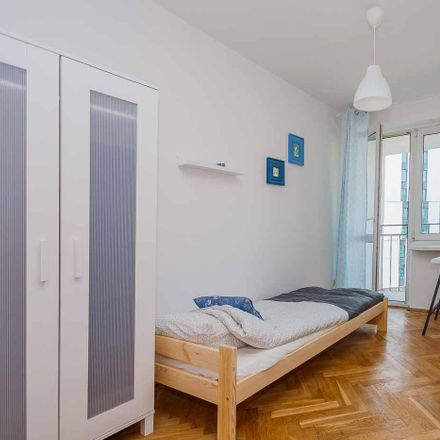 Rent this 5 bed room on Kamienica Wolfa Krongolda in Złota 83, 00-819 Warsaw