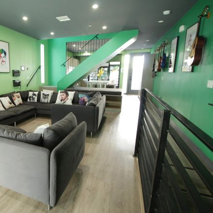 Rent this 3 bed apartment on 816 N Hobart Blvd in Los Angeles, CA 90029