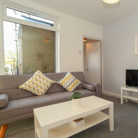 Rent this 1 bed apartment on Fairdene Road in London CR5 1RD, United Kingdom