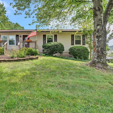 Rent this 4 bed house on 5468 Stearnes Avenue in Cave Spring, VA 24018