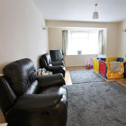 Rent this 3 bed house on Abbotshall Avenue in London N14 7JU, United Kingdom
