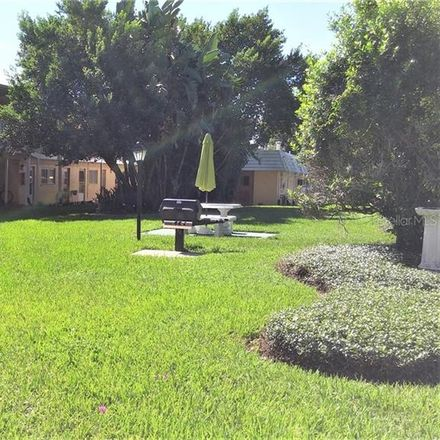 Rent this 2 bed condo on 320 Lakeview Street in Orlando, FL 32804