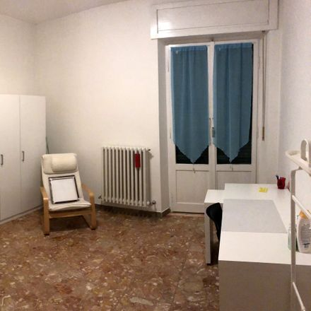 Rent this 3 bed room on Via Padre Felice Rosetani in 62100 Macerata MC, Italia