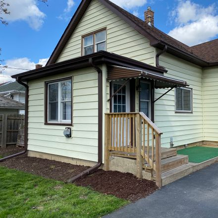 Rent this 4 bed house on 1015 Oakland Avenue in Joliet, IL 60435