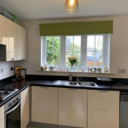 Rent this 4 bed house on Beacon Hill in Bradford BD22 6FE, United Kingdom