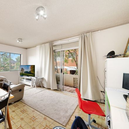 Rent this 2 bed apartment on 1/8 Curzon Street
