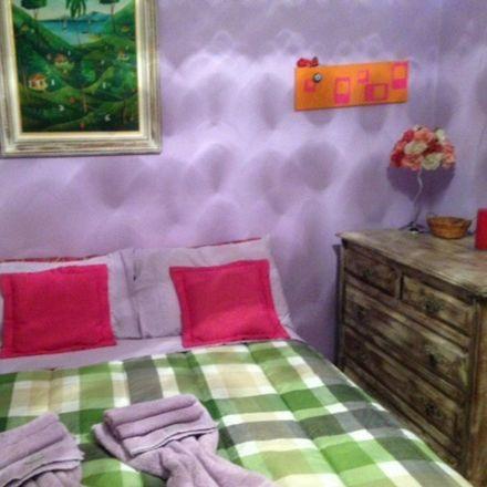Rent this 1 bed apartment on Avenida Rainha Elizabeth da Bélgica in Copacabana, Rio de Janeiro - RJ