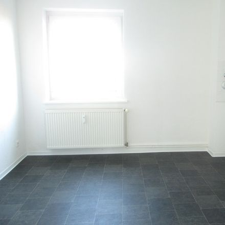 Rent this 3 bed apartment on Jordanstraße 35 in 39112 Magdeburg, Germany