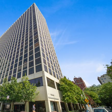 Rent this 2 bed condo on North Clarendon Avenue in Chicago, IL 60613