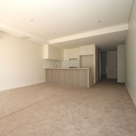 Rent this 2 bed apartment on 2BEDs/6-14 Park Road