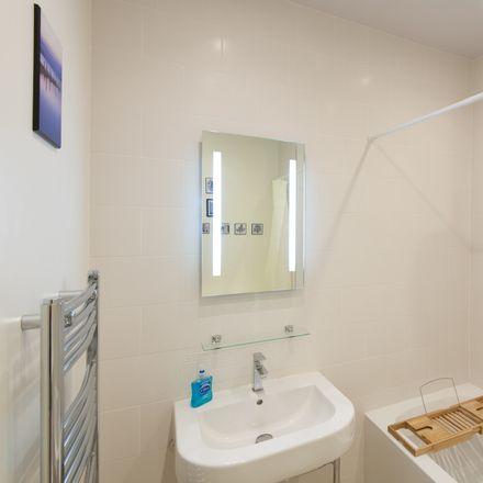 Rent this 1 bed apartment on Royal Mile Mansions in 50 North Bridge, Edinburgh EH1 1QN