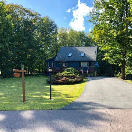 Rent this 4 bed house on Windemere Ln in Lake Ariel, PA