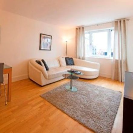 Rent this 3 bed apartment on McDonagh House in Whitefriar Street, Royal Exchange A ED