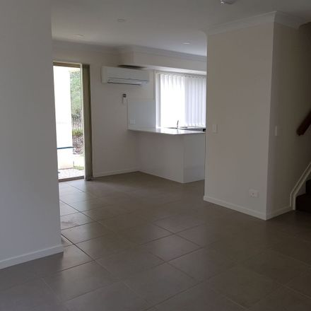 Rent this 3 bed townhouse on 46/140 Endeavour blvd