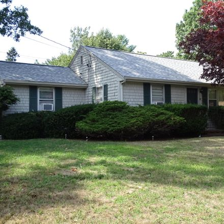 Rent this 3 bed house on 5 Patricia Street in Barnstable, MA 02672