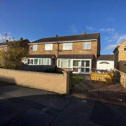 Rent this 3 bed house on Alexander Road in Thatcham RG19 4QP, United Kingdom