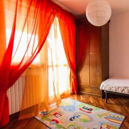 Rent this 4 bed room on Via Zino Giacomo Zini in 54, 10134 Turin TO